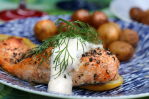 Grilled Salmon with Dill Sauce and Potatoes